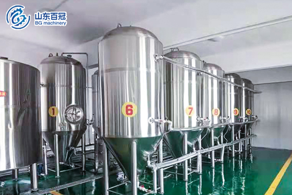 Industrial beer brewing system